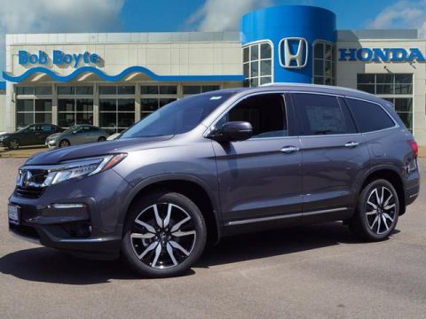New 2020 Honda Pilot Touring w/Rear Captains Chairs